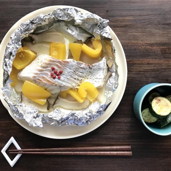 白身魚とキノコとパプリカのホイル焼き